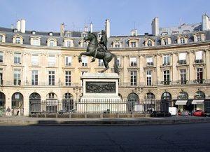 plazas jardines y parques de paris Place Victoires