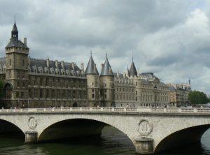 monumentos de paris conciergerie