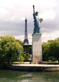 monumentos de paris estatua-de-la-libertad