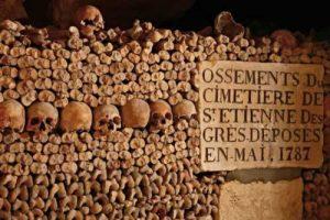 monumentos de paris catacumbas